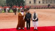 Nicht nur China baut seine Macht in Asien dank seiner wirtschaftlichen Kraft aus – zunehmend  erkauft sich auch Saudi-Arabien Einfluss. Für den Westen schafft das Probleme.