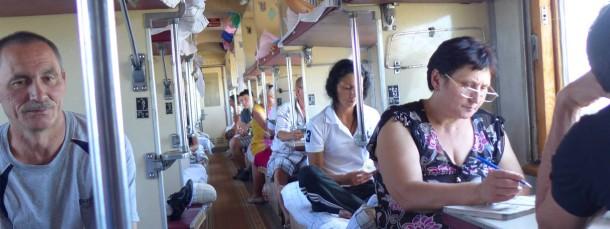 """Richtiger Pass? In den Zügen der """"Krim-Eisenbahn"""" sieht es aus wie früher - doch es gelten neue Regeln"""