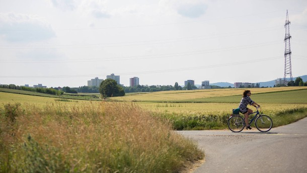 Sternmarsch gegen neuen Stadtteil an der A5
