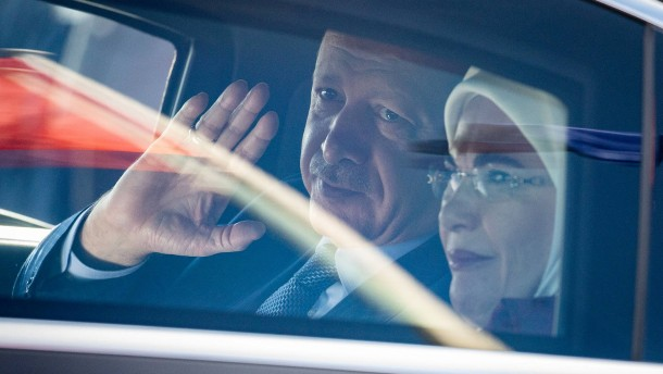 """Zeigte Erdogan den """"Islamisten-Gruß""""?"""