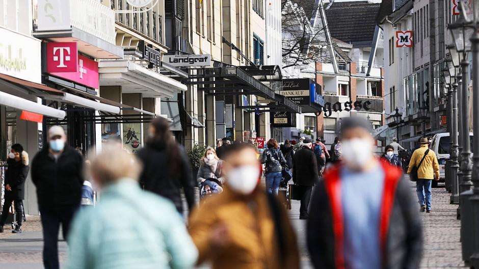 Die gegen Corona getragenen Masken helfen auch gegen Infektionen mit dem Grippe-Virus.