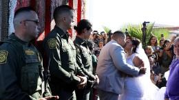 Hochzeit am Grenzzaun