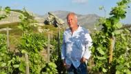 Der Winzer Stéphane Derenoncourt auf dem Weingut T-Oinos oberhalb des Dorfes Falatados