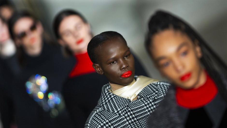 Bilderstrecke Zu New York Fashion Week Die Trends Der Modewoche Bild 1 Von 16 Faz