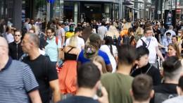 Bevölkerung in Deutschland auf mehr als 83 Millionen gestiegen