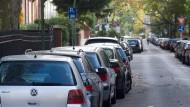 Kein Abstellgleis: Im neuen Regelwerk wird festgelegt, wie viele Parkplätze beim Neubau von Gebäuden geschaffen werden müssen.