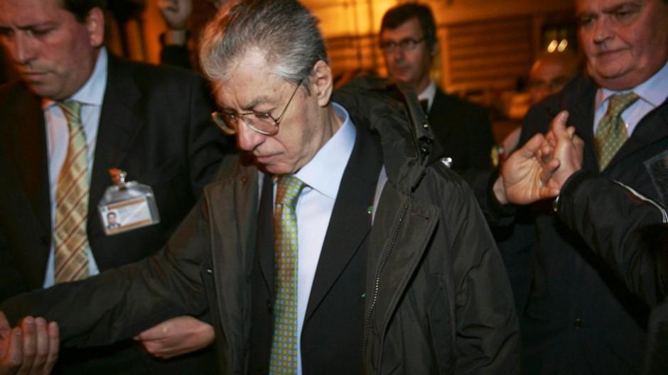Umberto Bossi tritt als Parteichef zurück