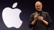 Steve Jobs, Mitbegründer von Apple, stellt am 9.1.2007 in San Francisco das erste iPhone vor.