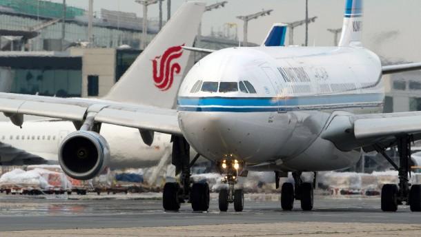 Politiker fordern Entzug von Landerechten für arabische Airlines