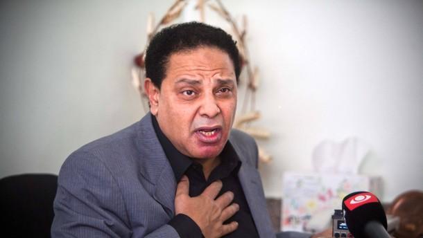 Politische Unruhen in Ägypten - Protestmärsche der Opposition auf den Straßen von Kairo werden von der Polizei gewaltsam aufgelöst.