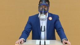 AfD-Politiker provoziert mit Gasmaske