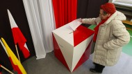 Polens Regierungspartei übersteht den Stimmungstest - vorerst