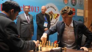 Carlsen feiert ersten Sieg im WM-Duell mit Anand