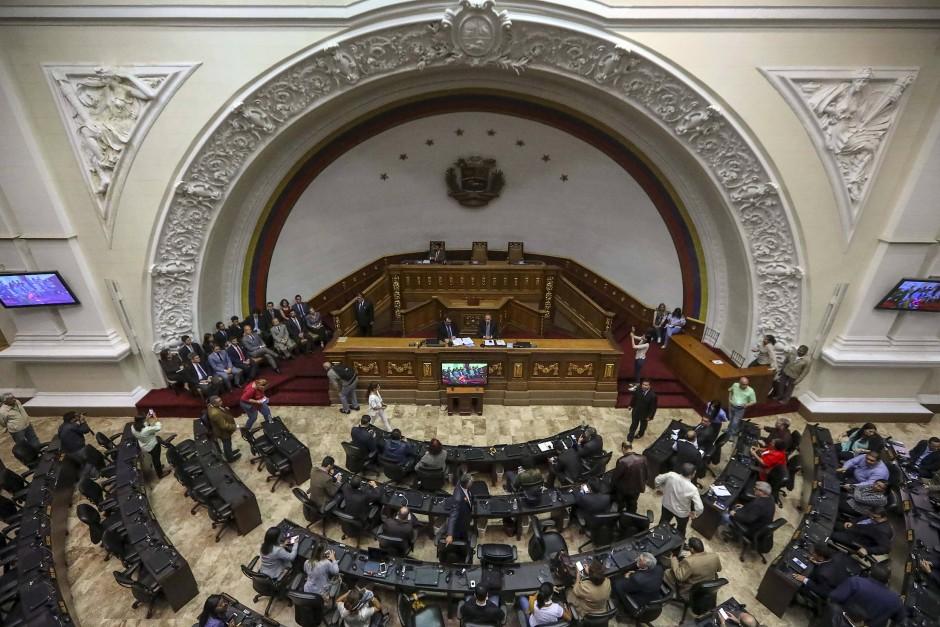 Venezuela: Parlament stemmt sich gegen die Entmachtung