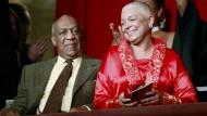 Bill und Camille Cosby bei einer Preisverleihung in Washington im Jahre 2009.