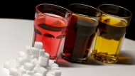 Die Hersteller ersetzen den Zucker teils durch Süßstoffe.