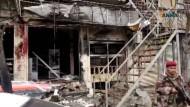 Trümmer in Manbidsch: Hier wurde der Anschlag verübt.