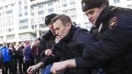 Kreml-Kritiker Nawalny zu Haftstrafe verurteilt