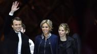 Zusammen für die Erneuerung: Emmanuel Macron mit Ehefrau Brigitte und Stieftochter Tiphaine