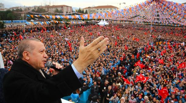 Schwört die Massen auf sich ein: Der türkische Staatspräsident Recep Tayyip Erdogan.