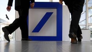 Deutsche Bank erwägt milliardenschweren Anleihenrückkauf