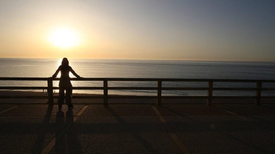 Weiblich, ledig, nicht mehr jung: Malin Lindroth weiß, dass das Leben trotz aller Liebesenttäuschungen niemals hinter, sondern immer vor einem liegt.