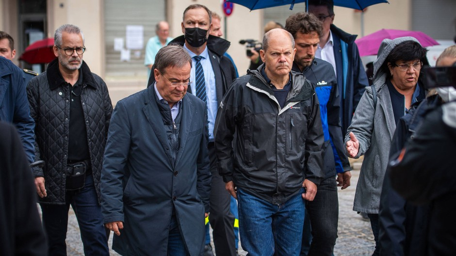 Kanzlerkandidaten Armin Laschet und Olaf Scholz am Dienstag, 3. August, in Stolberg