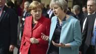 Zwei Regierungschefinnen: Merkel und May in Valletta, Malta, bei einem EU-Gipfel