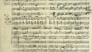 Wo die Kriegsleute tanzen, herrscht kein Ausnahmezustand. Beethovens eigenhändiger Klavierauszug seines Ritterballetts WoO 1.