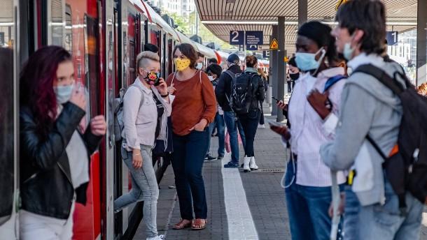 Maskenpflicht senkt Zahl der Corona-Infektionen