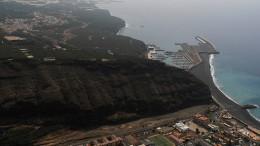 Lava hat die Küste fast erreicht