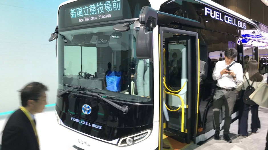 Einsteigen, bitte: Mit FC-Bussen wie dem Toyota Sora sollen Athleten und Zuschauer 2020 fahren.