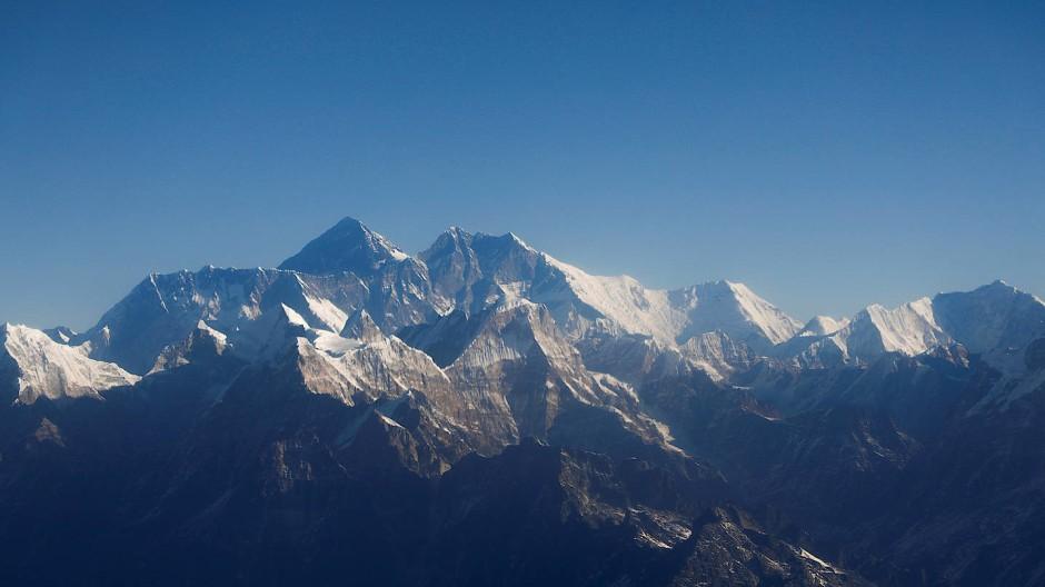 Der Mount Everest und andere Berge im Himalaya