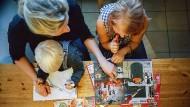 Hunderttausende Alleinerziehende erhalten für ihre Kinder kein Geld vom Expartner.