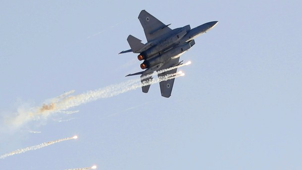 Israelische Luftangriffe nach Raketenangriff