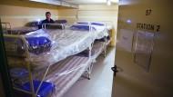 Schutz im unterirdischen Krankenhaus