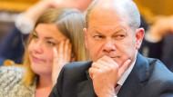 Gerät wegen eines internen Papiers unter Druck: Hamburgs Erster Bürgermeister Olaf Scholz (SPD)