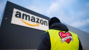 Amazon lässt sich auf Twitter von Mitarbeitern loben