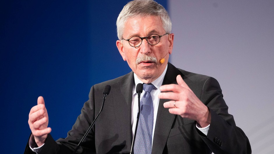 Von der SPD zur AfD? Thilo Sarrazin bei einer Podiumsdiskussion im März 2019 in Wien.