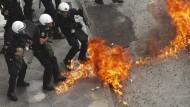 Streiks und Proteste gegen neues Reformpaket