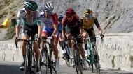 Emanuel Buchmann (vorne) und Thibaut Pinot (Zweiter von vorne) bei der Tour de France