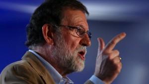 Rajoy fordert Unternehmen zum Katalonien-Verbleib auf