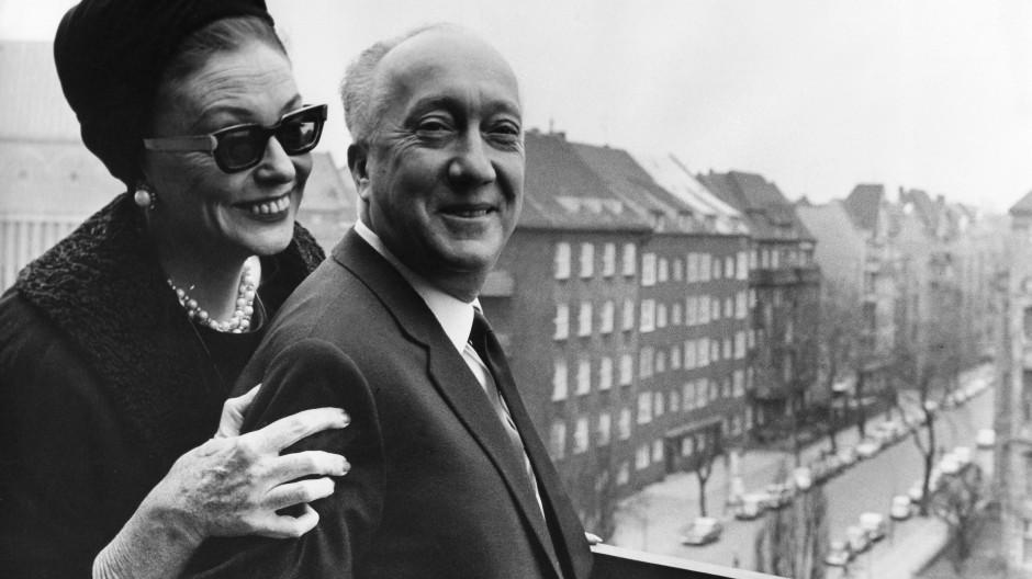 Sie sang seine Lieder: Zarah Leander mit Bruno Balz (1902 bis 1988) Mitte der sechziger Jahre