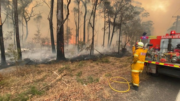 Rettung tausender Menschen in Australien läuft an