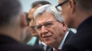 Bouffier kritisiert Seehofer: Enteignung der nächsten Generation