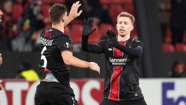 Weisers Traumtor bewahrt Leverkusen vor Pleite
