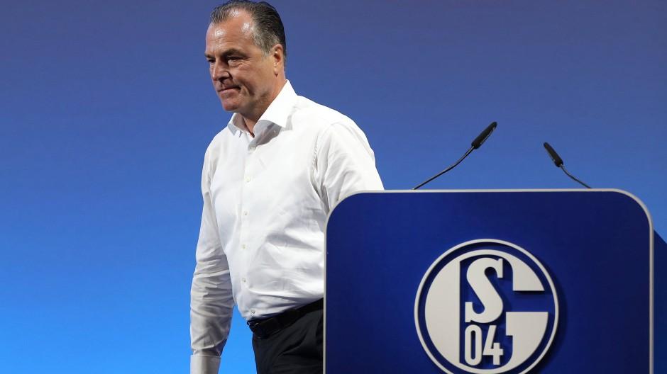 Schalkes mächtiger Aufsichtsrat Clemens Tönnies bei der Mitgliederversammlung des Klubs im Juni 2019