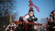 Bulgaren vertreiben beim Surva das Böse
