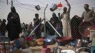 Flüchtlinge strömen aus ehemaligen IS-Bezirken