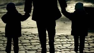 Initiativen für Homo-Ehe und gegen Betreuungsgeld